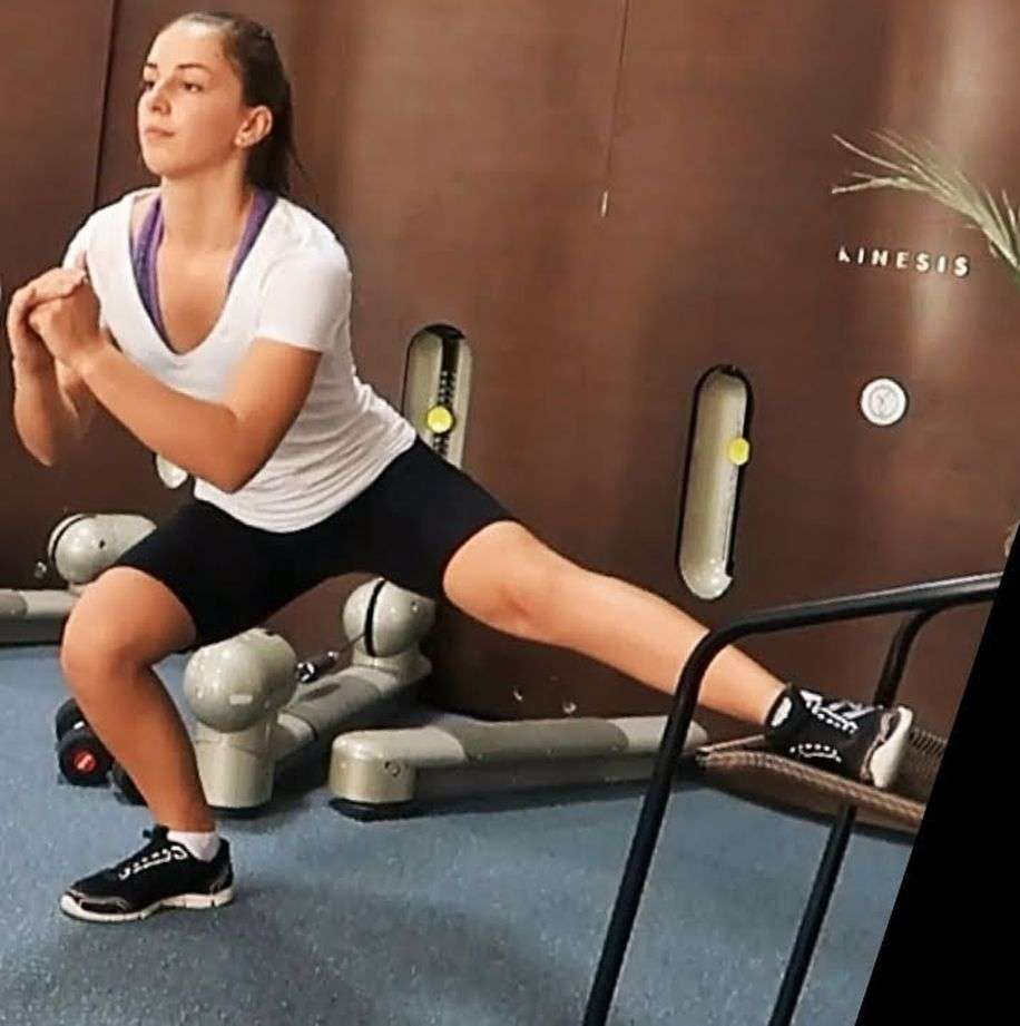 Workout: With this 5 minute workout, you can get energy and fitness during work.