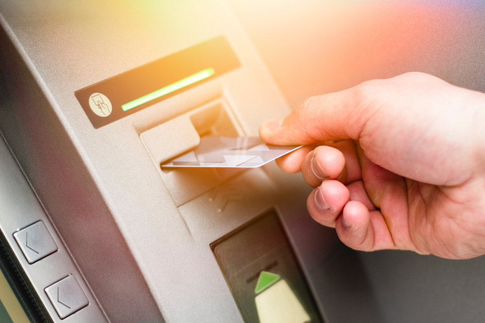 RBI New Rule: When withdrawing money from ATM, if the transaction is failed, then the bank will have to pay damages