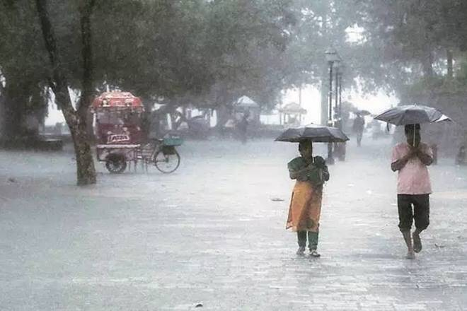 monsoon alert, IMD, Skymet, heavy to heavy rain, Delhi rain updates, UP-Bihar rain updates, heavy rain in Gujarat and Rajasthan, monsoon in india, rain in India, flood situation in india