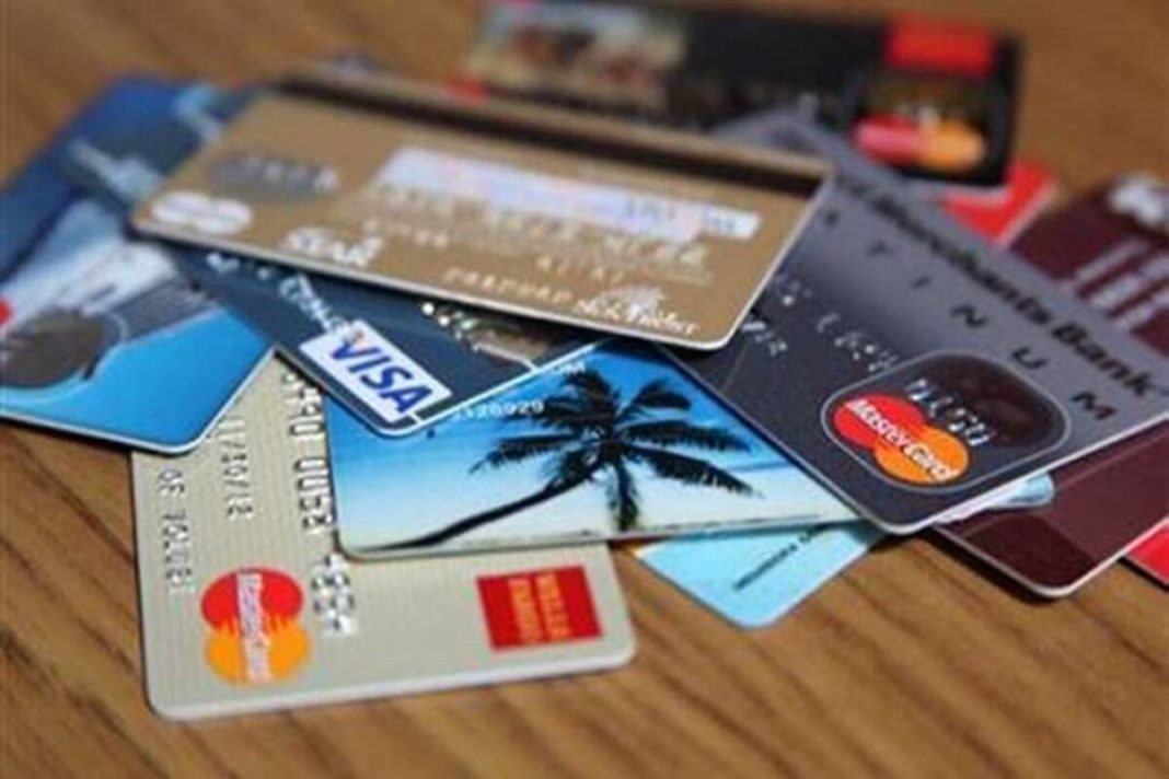 benefits of using credit card during festive season shopping, credit card spending benefits