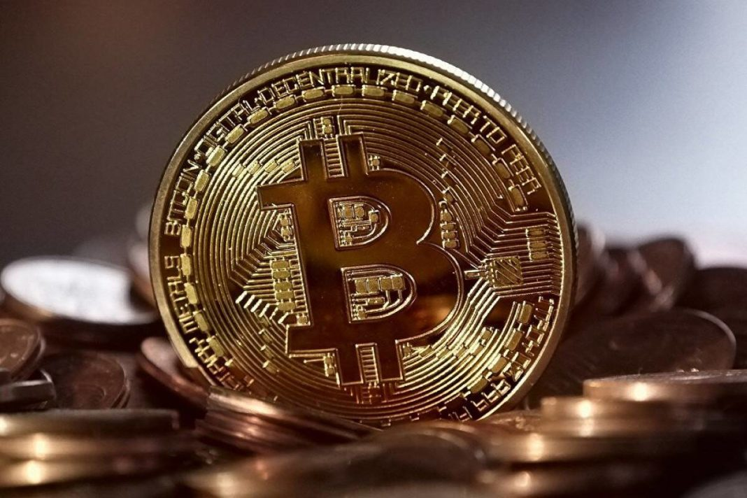 BitCoin declined after two months of rapid, down below 30 thousand dollars