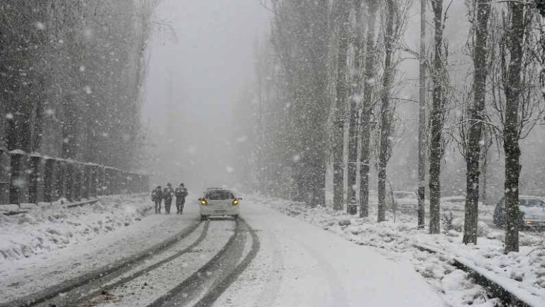 US: 2000 flights canceled due to severe snow storm in Denver, conditions may worsen