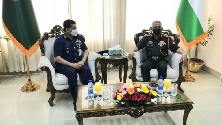 Army Chief General Narwane meets the Chiefs of the Armed Forces in Bangladesh, talks on these important issues