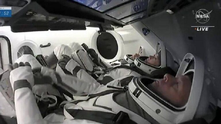 How did the crew members of SpaceX spend time before the launch for ISS?  International Space Station shared video