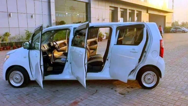 This car looks exactly like the 34 lakh limousine, this car made for just Rs 2.27 lakh, you will also dodge after watching VIDEO!