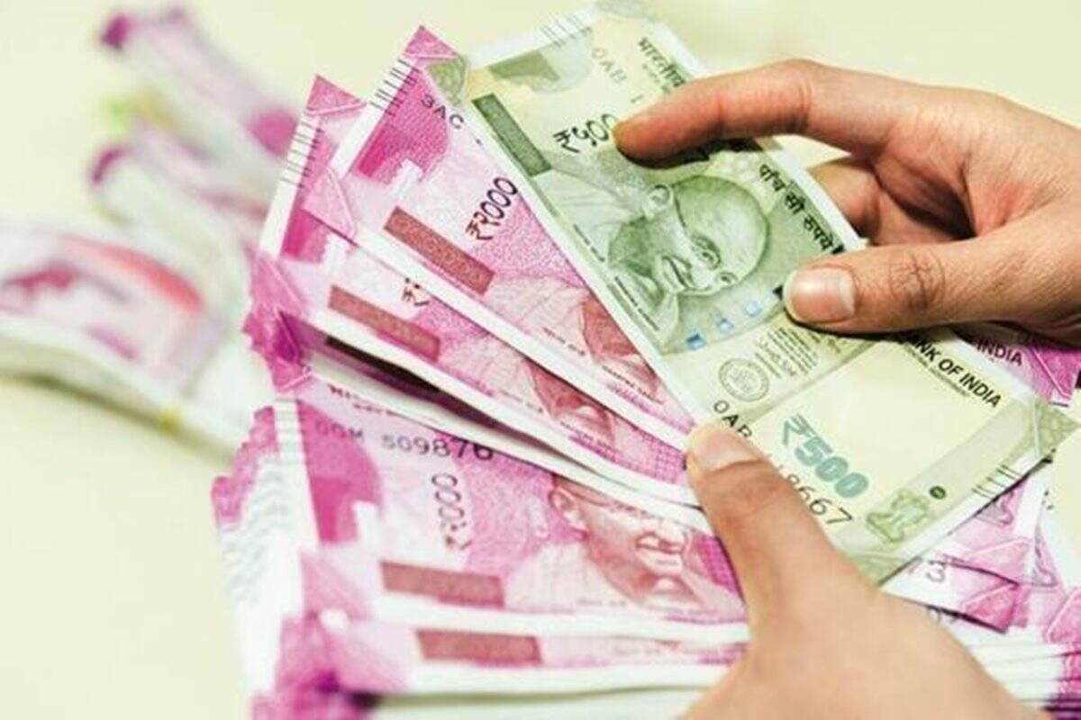 investment in tax saving option ppf may get return more than 1 crore after consistent investment know here the calculation