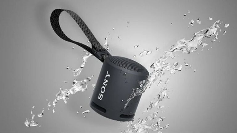 Now enjoy music continuously for 16 hours on this small Sony speaker, these tremendous features are available for just this much money