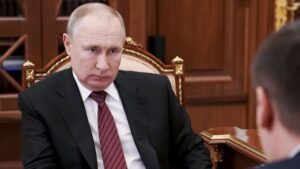 The death toll is making new records every day in Russia, the officials said - the public is responsible, Putin will not impose lockdown