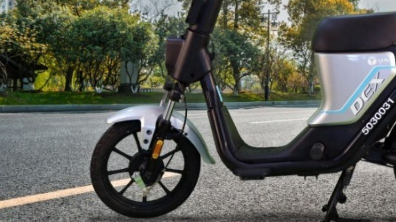Driving license is not required to drive this electric scooter, you can keep so many kilos behind