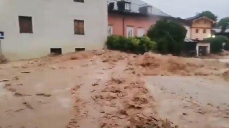 Belgium Floods: Floods in Belgium wreak havoc, vehicles washed away in strong current, watch video