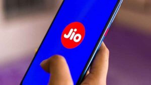 For JioPhone users, the company has brought a free offer with one, take advantage immediately
