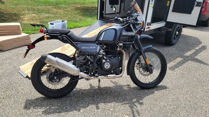 If you are also a fan of Royal Enfield Himalayan, then the company is bringing its updated version, see the first look of the bike