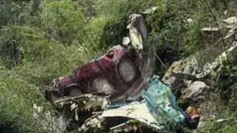 Language problem with air traffic control, plane collided with a steep cliff due to negligence of 'angry' pilot, 113 people died
