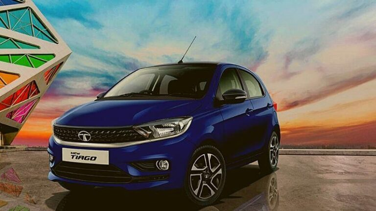 Middle class family is fiercely buying these three entry level cars Maruti, Tata and Renault included in the list