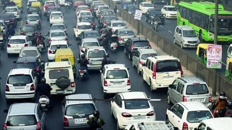 Oldest vehicles ply on the roads of Delhi and Karnataka, you may also be shocked to know the figures