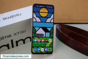 Smartphone Sale Offers on amazon and flipkart samsung realme xiaomi apple iPhone know full discount details