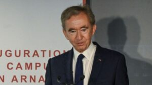 Bernard Arnault: After the decision on 9000 people, people started saying 'Terminator', now leaving behind Jeff Bezos to become the richest person in the world