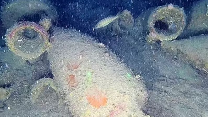 Big discovery in Italy, wreckage of 2200-year-old ship found at a depth of 302 feet in the sea, ancient jars of wine also recovered