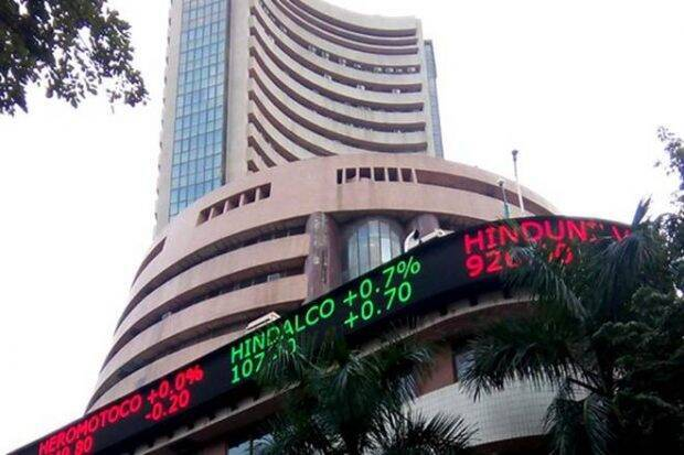 Cautious attitude of foreign investors regarding the Indian stock market, but why are domestic investors investing money?