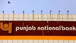 Just as there has been a boom in online transactions in the last few years, the cases of digital fraud have also increased. Hundreds of such cases are being reported on a daily basis. Banks constantly warn their customers about cyber fraud. Punjab National Bank has once again given tips to its customers to avoid cybercrime by tweeting.