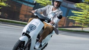 Honda launched the very economical electric scooter U-GO, the range of KM is available