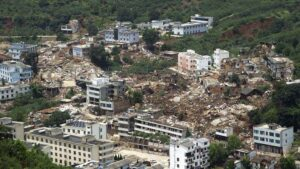 In China, 'shaken earth', 12 thousand houses were demolished in a few seconds, hundreds of people died in the powerful earthquake
