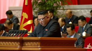'Rocket Man' Kim Jong's storm broke out on North Korea, thousands of people were evacuated to safe places