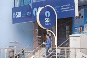 SBI shares at record high, know whether there is still a chance of profit in this stock that has grown by 138 percent in a year