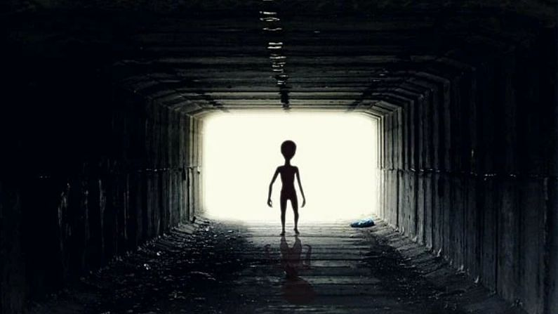 Scientists have made a big disclosure about aliens.  He says that it is possible that aliens talk to each other through stars.  Although he is yet to confirm this suspicion (Aliens and Communication).  By which it can be proved that in the matter of space telescope technology, only humans are not progressing.