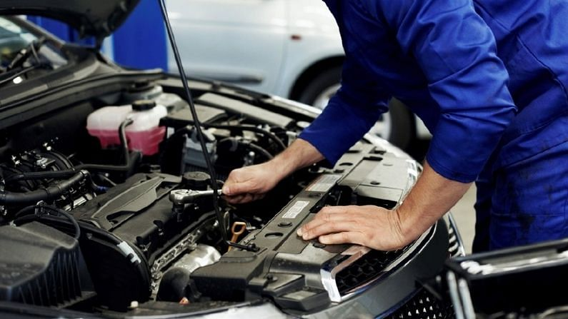 Taking a new car for servicing, keep these special things in mind, otherwise it will cost dearly