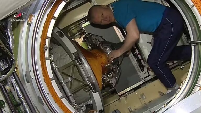The 'boat' module of Russia which had made the ISS uncontrollable, now Astronauts got its 'world tour' done, watch video