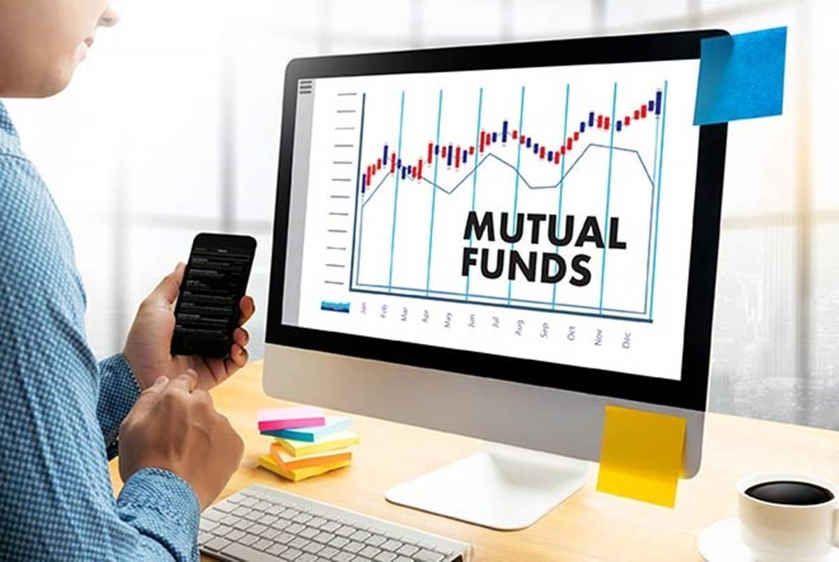Mutual funds investment: Investors are withdrawing money from equity mutual funds, know where they are investing