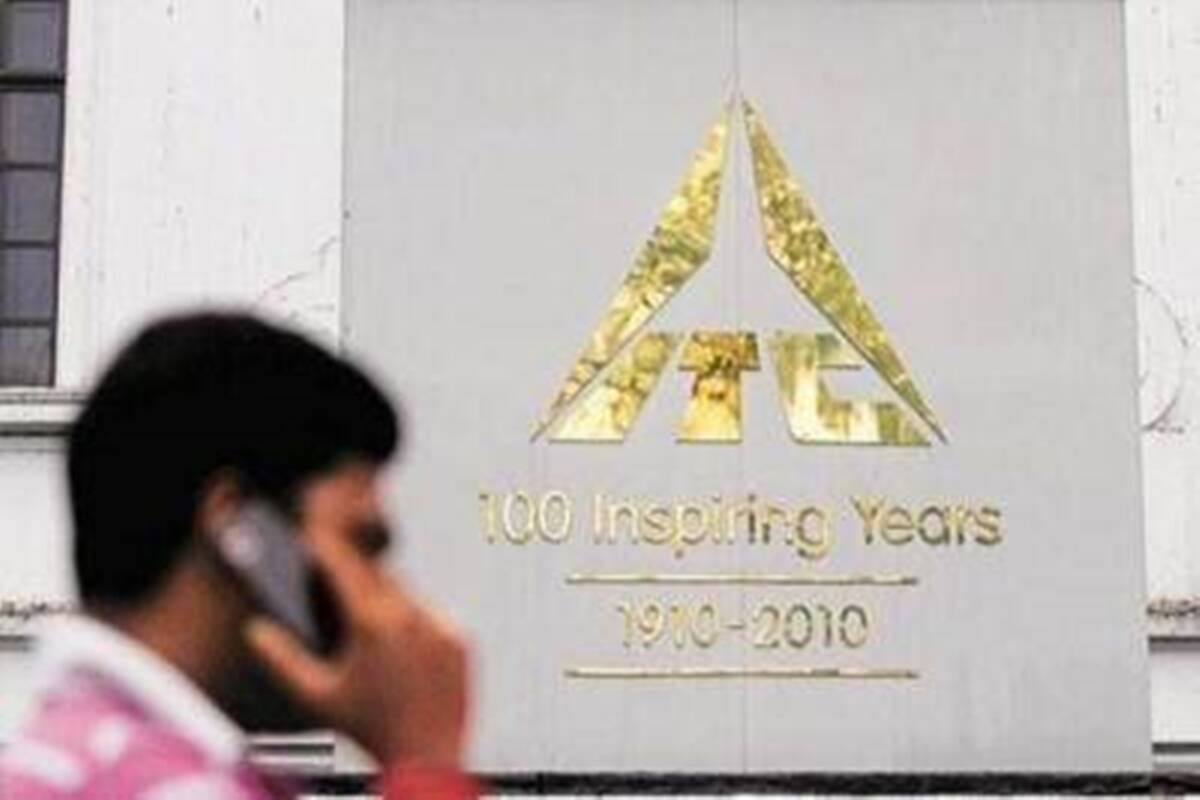 ITC share price hits new 52-week high rallies 12 percent in one week should you buy sell or hold