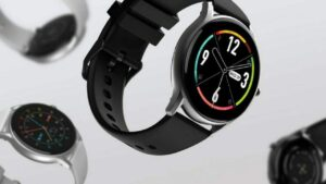 This company has launched a premium looking smartwatch at a very low price, many great features are available with its sleek design.