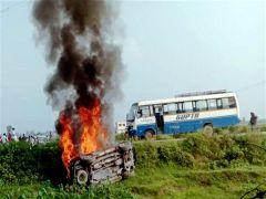 5 killed including two farmers during demonstration in Lakhimpur Kheri, violence after crushing protestor