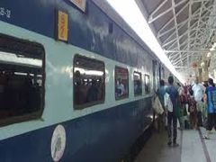 Durga Puja Special: Indian Railways started special train for Kolkata, see schedule and other details