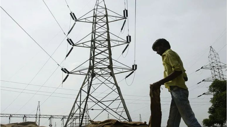 Power Crisis: Center directs power companies to increase supply in Delhi, important meeting in PMO today