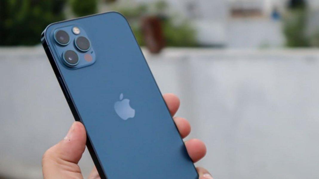 आईफोन को महंगा बताने वाले निकले झूठे, फ्लिपकार्ट सेल में भारतीयों ने एक दिन में खरीद डाले 2 लाख से ज्यादा आईफोन